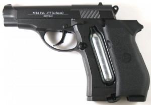 baretta m84 hitam